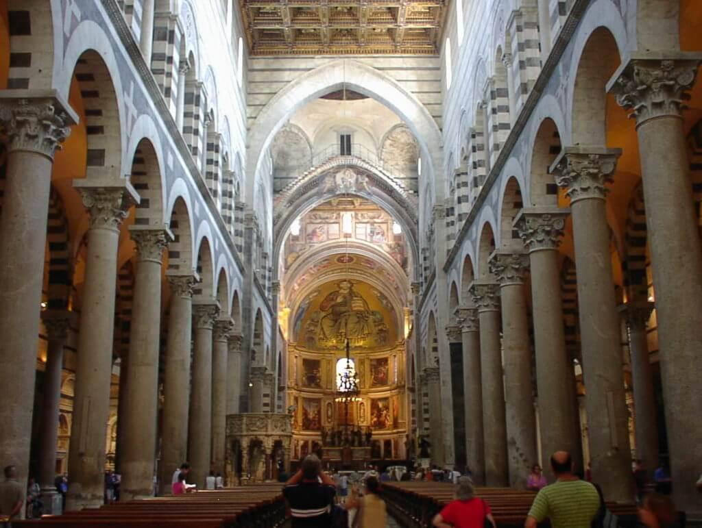 ピサ大聖堂内部